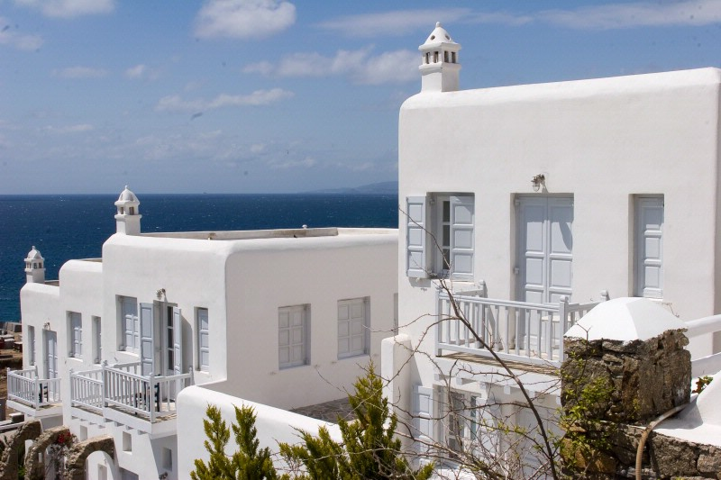 MYKONOS & SANTORINI OFFER