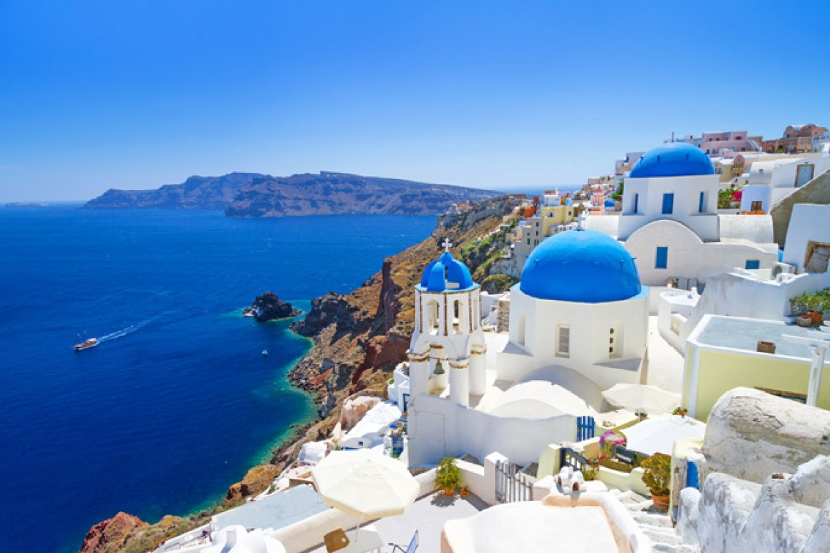 Unpretentious Luxury and Unparalleled Style in Santorini