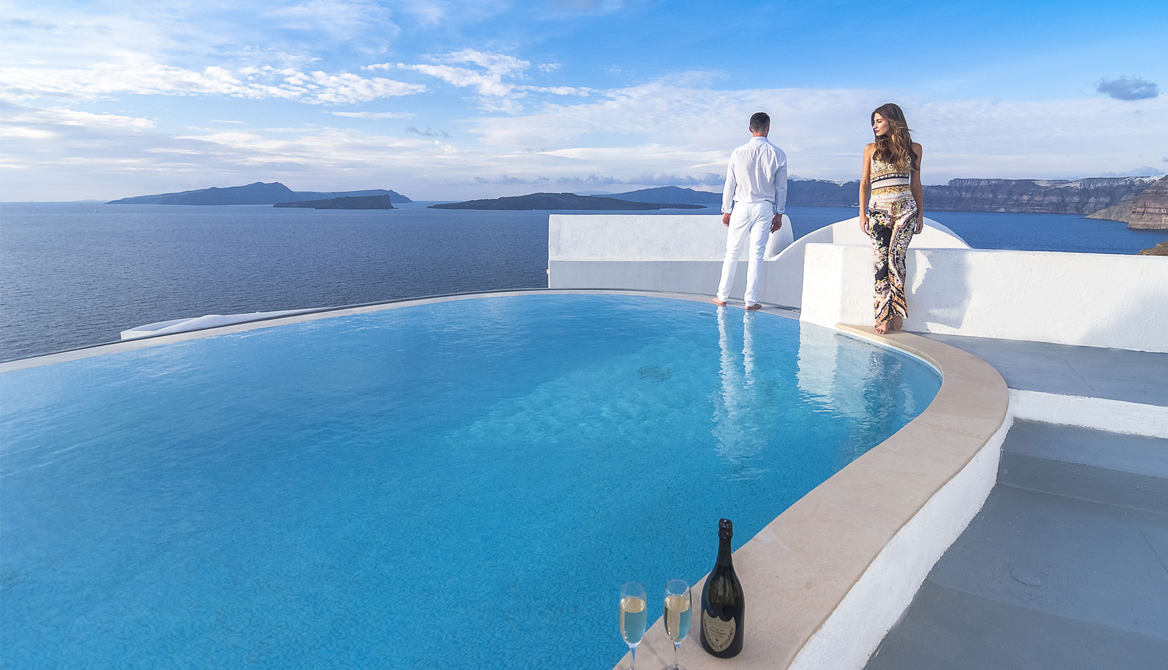 Santorini hotels with private pools 2018 world 39 s best hotels for Hotels in santorini with infinity pools
